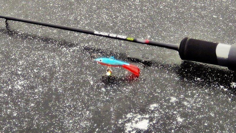Выбор удочки для зимней рыбалки, лучшие удильники для подледного лова