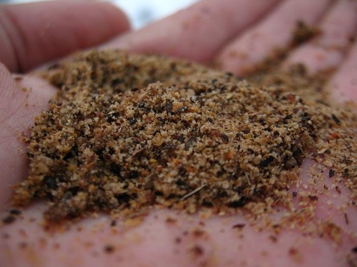 Зимняя прикормка на плотву: лучшие рецепты для разных условий