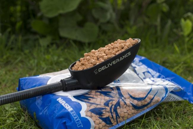 Средства для доставки прикормки при ловле карпа - кобры, рогатки